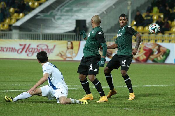 Игровой момент матча Краснодар - Крылья Советов