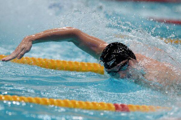 Данила Изотов на дистанции 100 метров вольным стилем