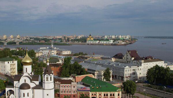 Вид на Нижний Новгород в месте слияния рек Волги и Оки