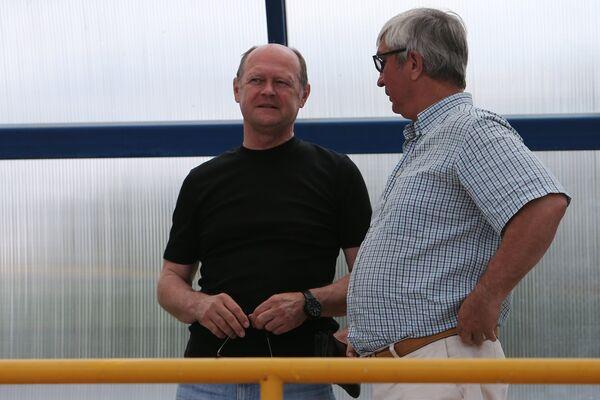 Александр Тукманов (слева)