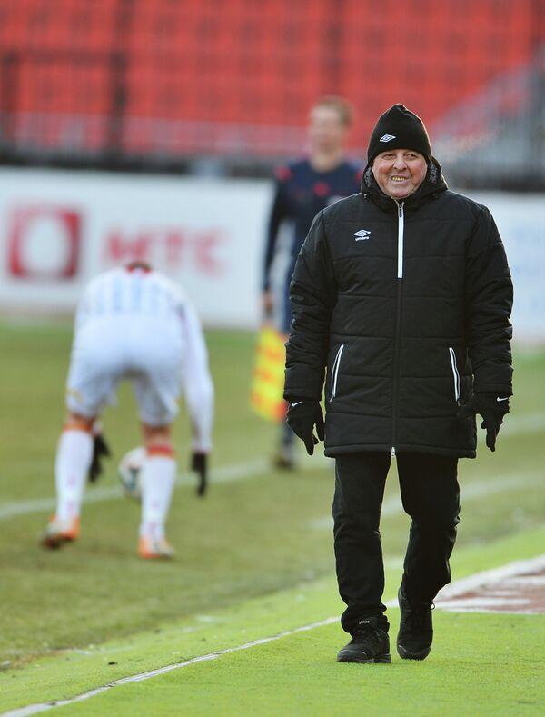 Главный тренер Урала Александр Тарханов