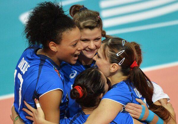Игроки сборной Италии Валентина Диуф, Кристина Кирикелла, Антонелла дель Коре