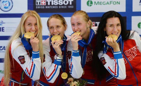 Виолетта Колобова, Яна Зверева, Татьяна Гудкова и Любовь Шутова (слева направо)