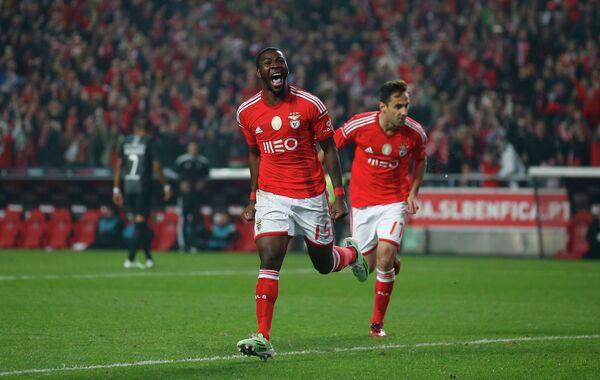 Футболисты Бенфики Ола Джон и Йонас (слева направо)