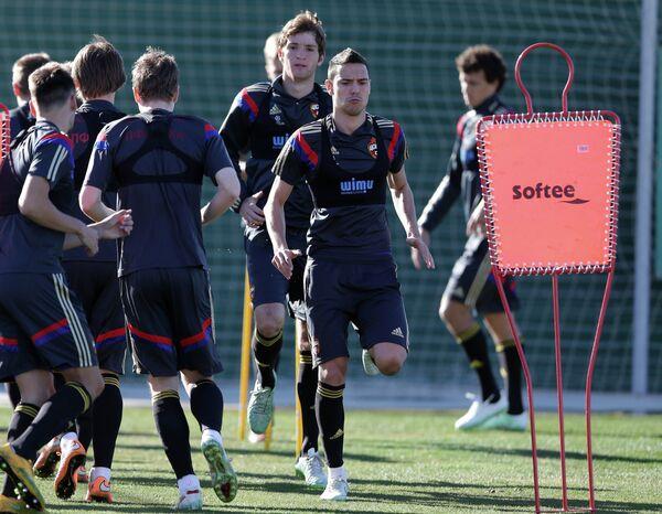Футболисты ЦСКА во время тренировочного сбора в Испании