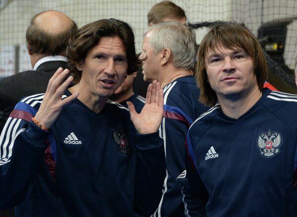 Игроки команды России Алексей Смертин (слева) и Дмитрий Лыськов