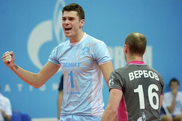 Мэттью Андерсон (слева) и Алексей Вербов