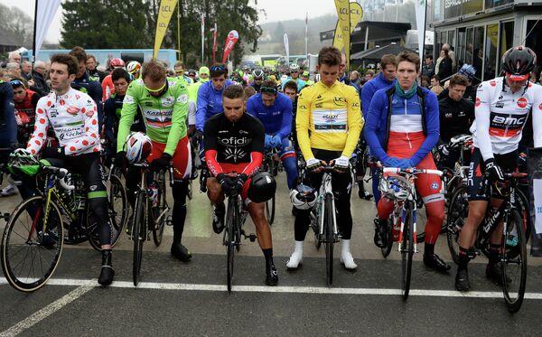 Минута молчания в память о погибших на реалити-шоу французских олимпийцах