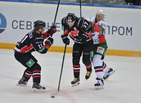 Хоккей. КХЛ. Матч Авангард - Ак Барс
