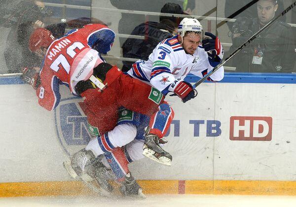 Максим Мамин (слева) и СКА Динар Хафизуллин