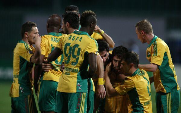 Игроки Кубани радуются голу