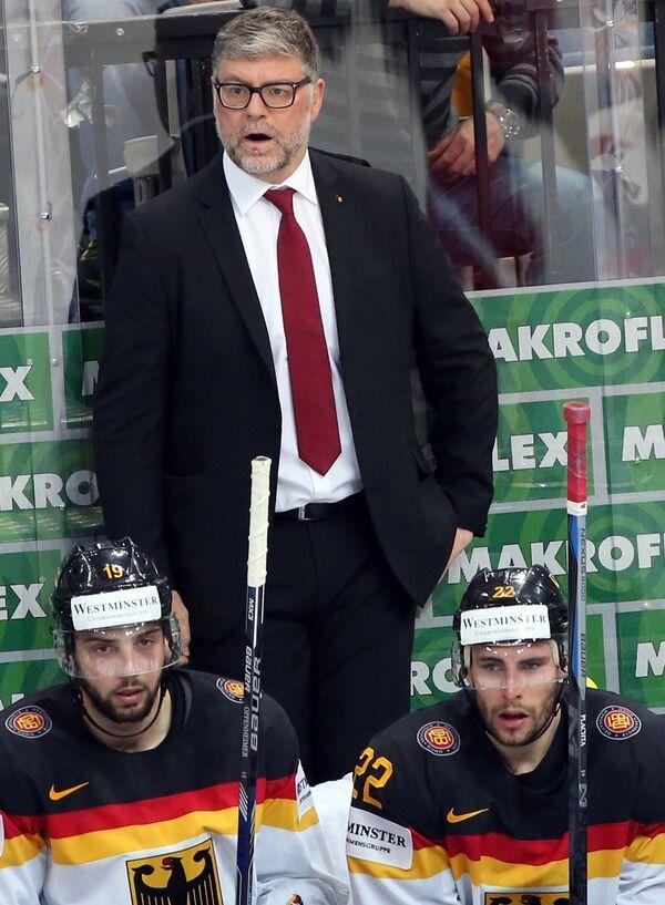Главный тренер сборной Германии Пэт Кортина