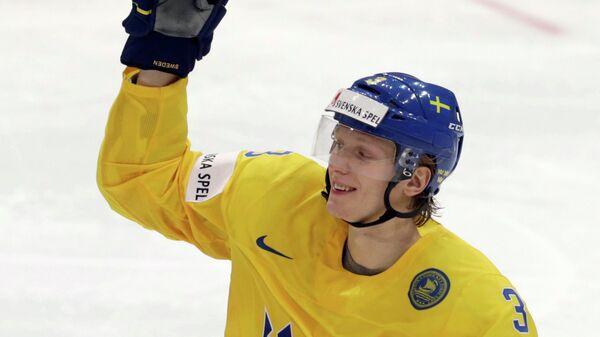 Защитник сборной Швеции по хоккею Йон Клингберг
