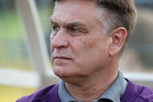 Главный тренер Игрок Торпедо Валерий Петраков