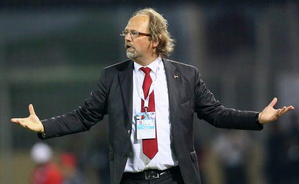 Бельгийский футбольный тренер Том Саинтфит