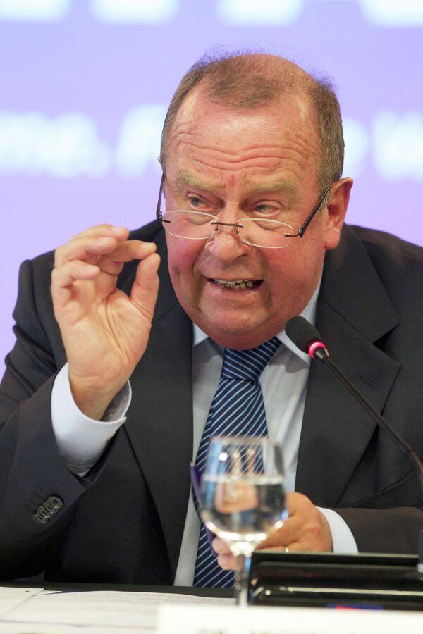 Член исполкома и председатель медицинского комитета ФИФА бельгиец Мишель Д'Оге