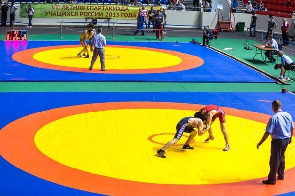 Соревнования по греко-римской борьбе. Архивное фото
