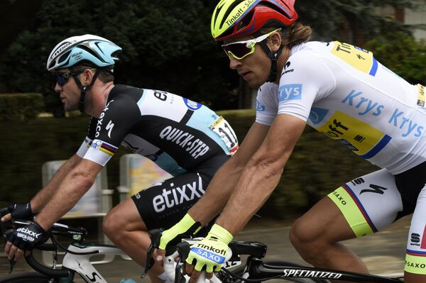 Британский велогонщик Марк Кавендиш из команды Etixx-Quick Step и словак Петер Саган из Tinkoff-Saxo