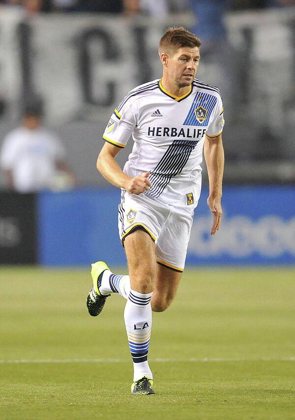Полузащитник клуба MLS Лос-Анджелес Гэлакси Стивен Джеррард