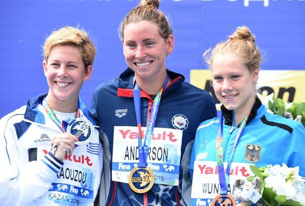Каллиопи Араузу (Греция) - серебряная медаль, Хейли Андерсон (США) - золотая медаль, Финниа Вунрам (Германия) - бронзовая медаль (слева направо)
