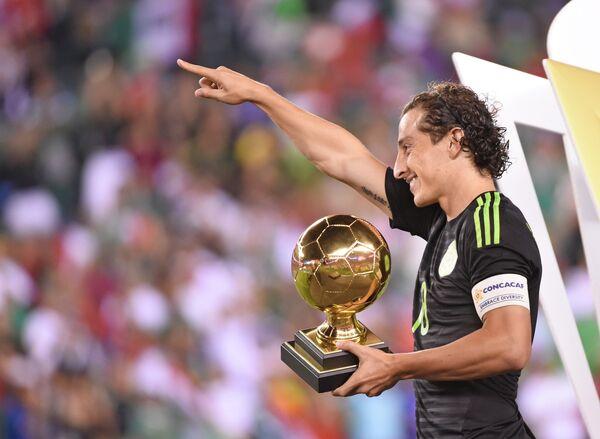 Полузащитник сборной Мексики по футболу и клуба ПСВ Андрес Гуардадо