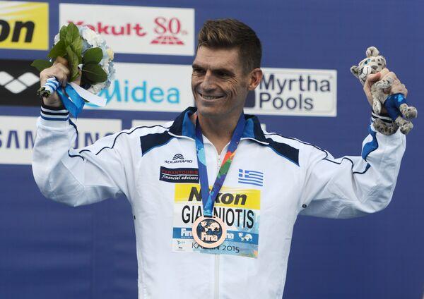 Греческий пловец Спиридон Янниотис