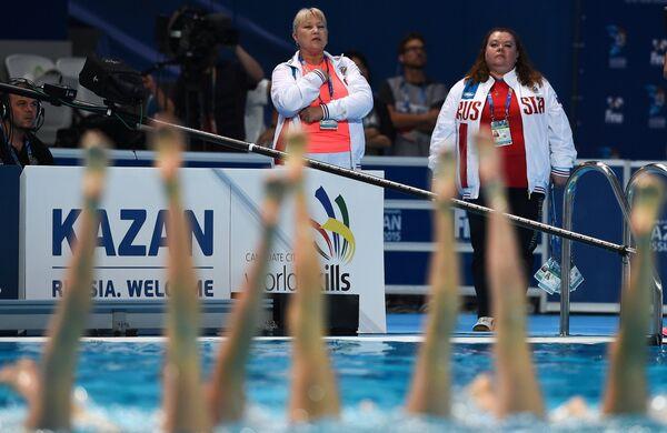 Главный тренер сборной России по синхронному плаванию Татьяна Покровская (слева)