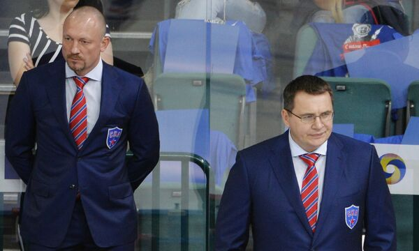 Тренер СКА Максим Соколов (слева) и главный тренер СКА Андрей Назаров