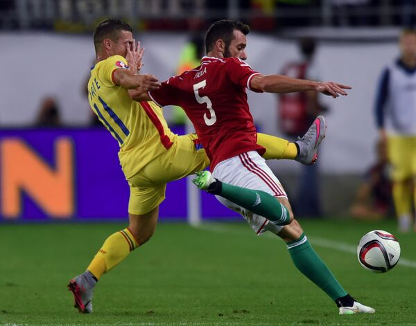 Игровой момент матча между сборными Венгрии и Румынии