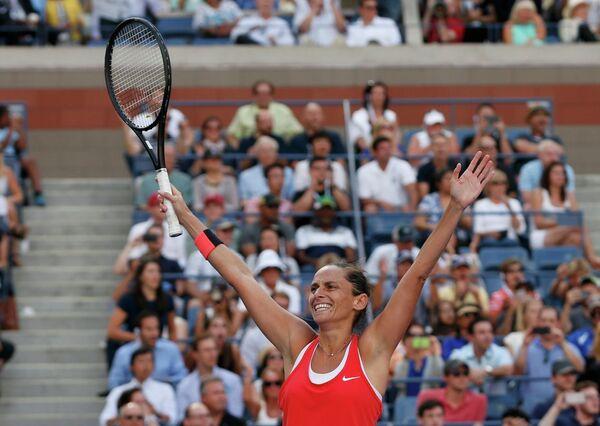 Роберта Винчи радуется победе в полуфинальном матче US Open