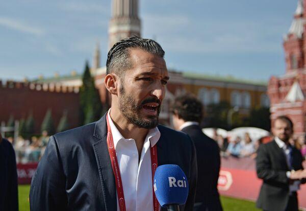 Чемпион мира 2006 итальянский футболист и тренер Джанлука Дзамбротта