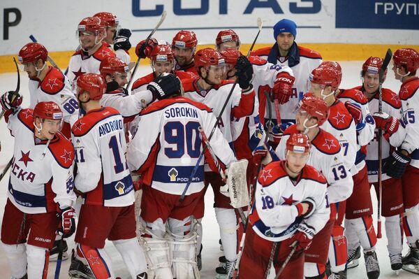Игроки ПХК ЦСКА радуются победе