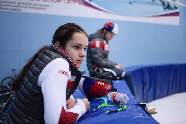 Спортсменка сборной России по шорт-треку Софья Просвирнова