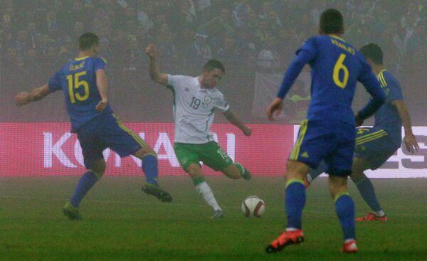 Игровой момент матча Босния - Ирландия