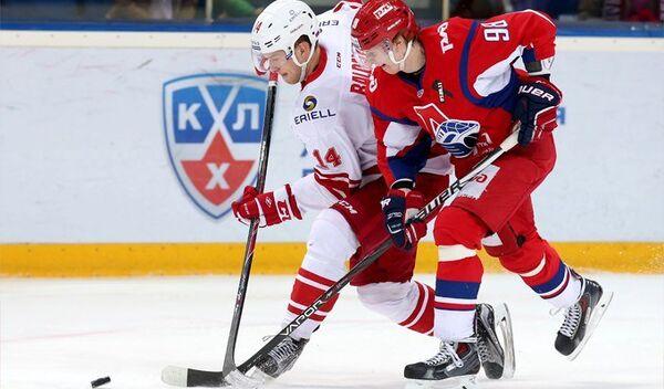 Игровой момент матча КХЛ между Локомотивом и Спартаком