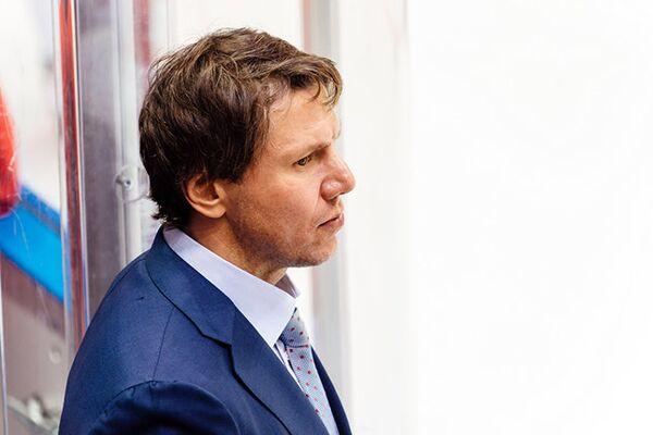 Исполняющий обязанности главного тренера ХК Витязь Равиль Якубов