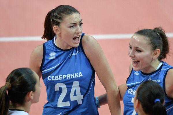 Волейболистки Северянки Наталья Шаршакова и Ирина Мартынова (слева направо)