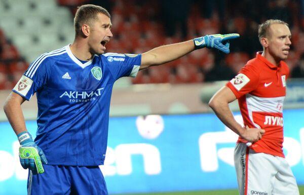Евгений Городов (слева)