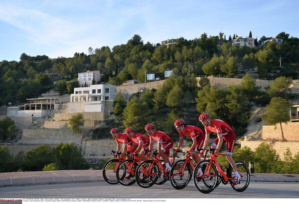 Велогонщики команды Катюша