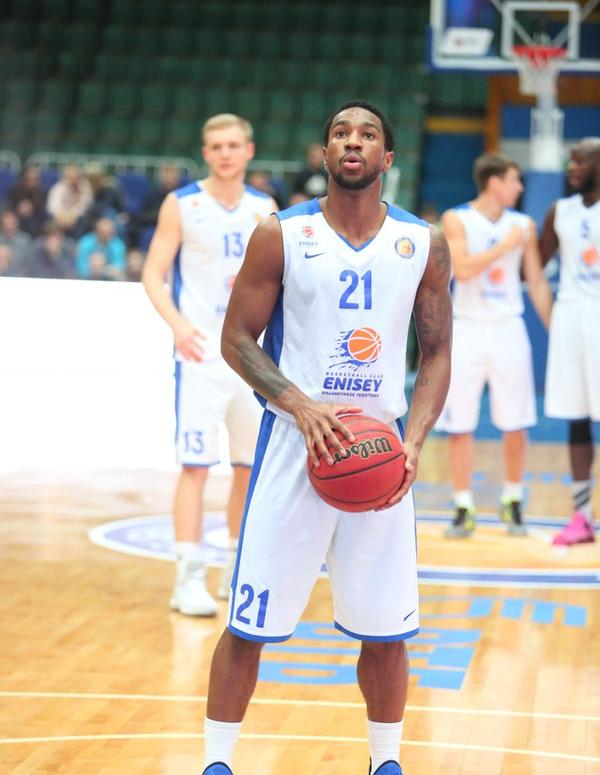 Баскетболист Енисея Тони Тэйлор