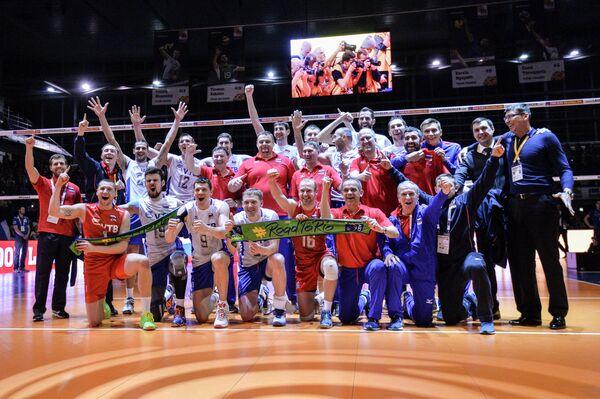 Волейболисты и тренеры сборной России