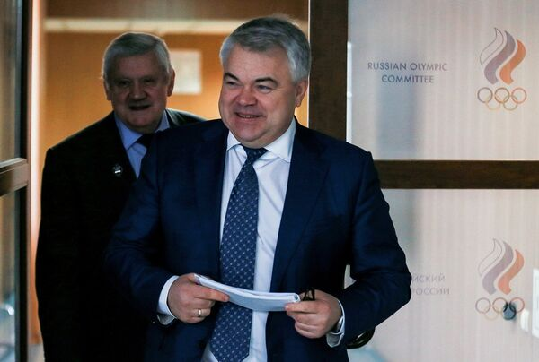 Генеральный секретарь Всероссийской федерации лёгкой атлетики (ВФЛА) Михаил Бутов (справа)