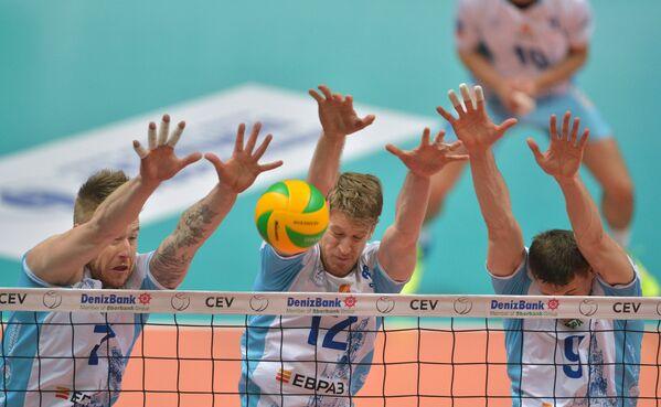 Волейболисты московского Динамо Иван Зайцев, Максвел Холт и Юрий Бережко (слева направо)