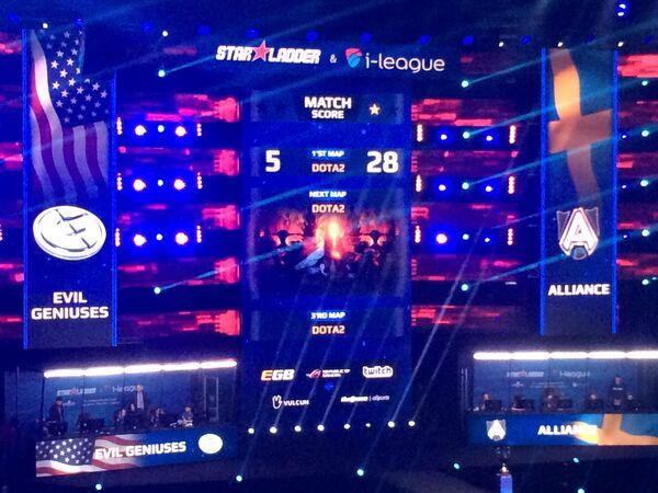 Звукоизолированные кабинки команд Dota 2 во время финала