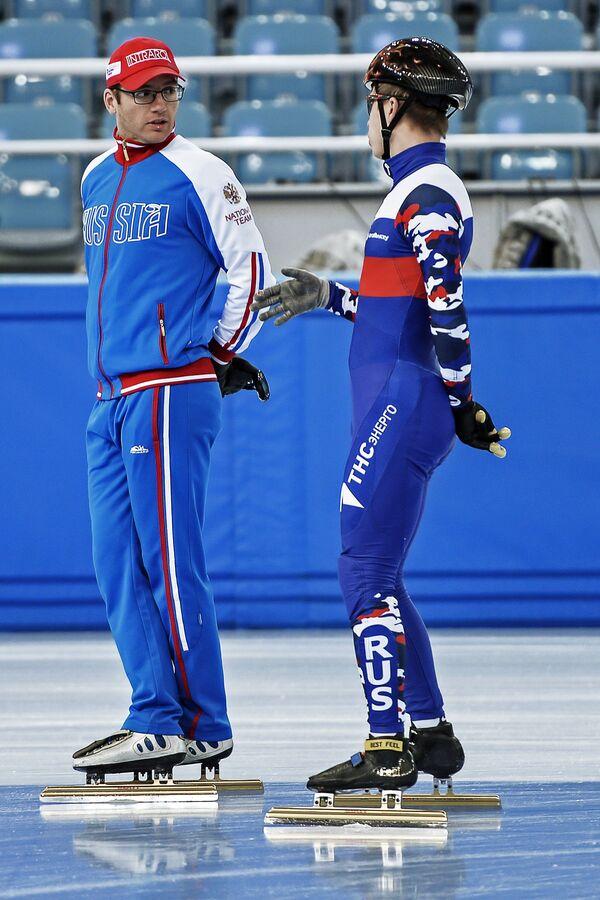 Себастьян Крос (слева) и Семён Елистратов