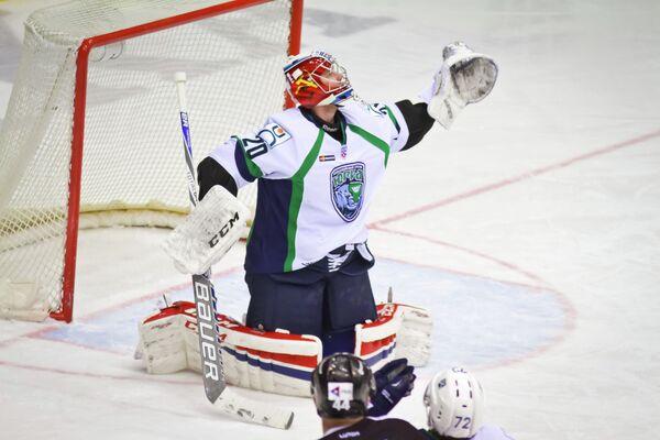Вратарь клуба НХЛ Югра Георгий Гелашвили
