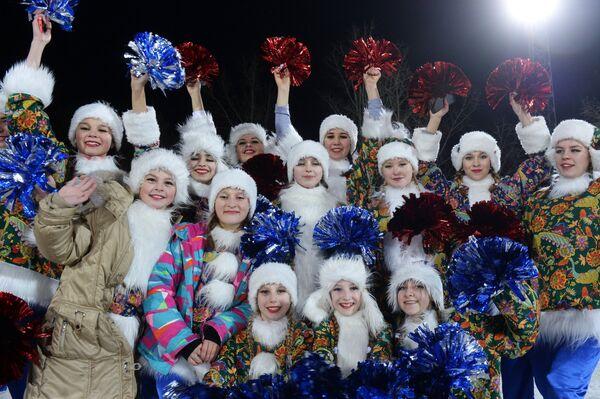 Группа поддержки сборной России в матче 1/4 финала чемпионата мира по хоккею с мячом между сборными командами России и США