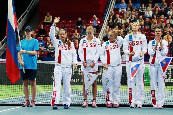 Дарья Касаткина, Екатерина Макарова, Светлана Кузнецова, Мария Шарапова и Анастасия Мыскина (слева направо)