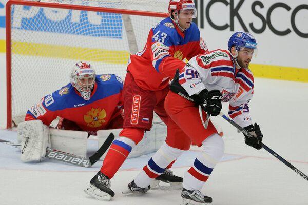 Игровой момент матча Еврохоккейтура между сборными Чехии и России
