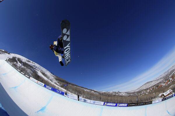 Японский сноубордист Рё Аоно